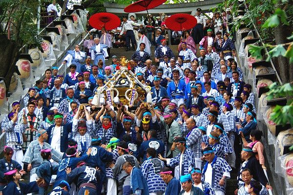 出世の石段祭り